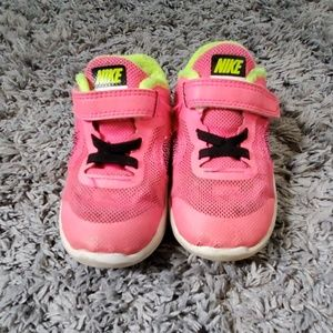 Nike Shoes - Size 7 toddler Nike Revolution 3 Shoes